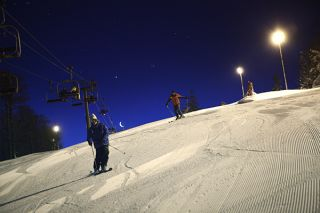 Nocturnal skiing