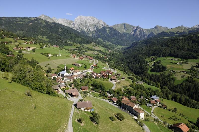 photo-aerienne-village-916