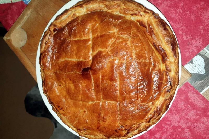 Raclette pie
