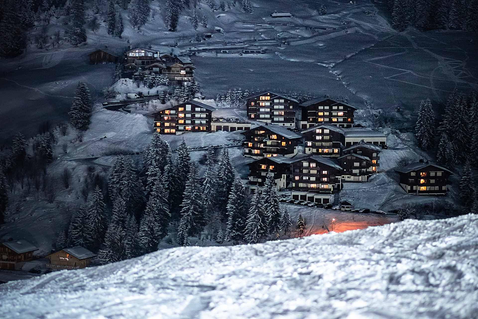 Alpines Skifahren Manigod - © Tilby Vattard