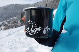 Outdoor mug with Manigod logo